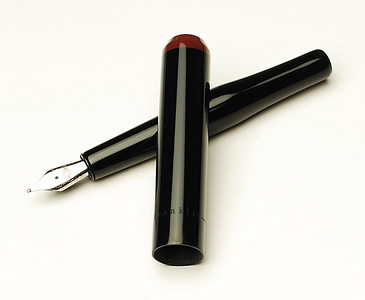 Franklin-Christoph pocket 40 fountain pen in flagship black and maroon design.