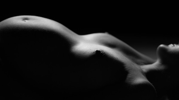 Maternity Nude Fine art Black and white Photography by Aaron Paul Rogers.