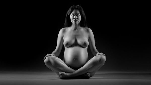 Portrait Maternity NYC Brooklyn. Photography by Aaron Paul Rogers.