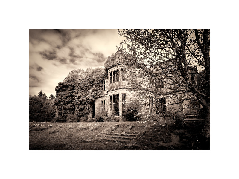 Poltalloch House Raw