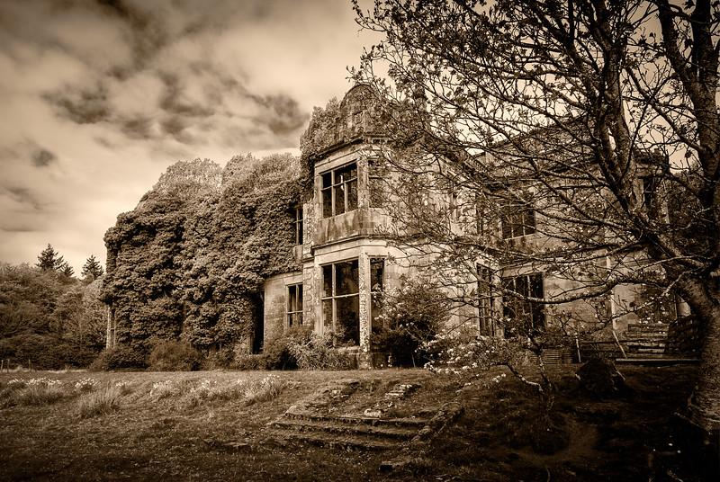 Poltalloch House Raw
