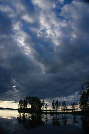 Vibrant skies near Kuusamo