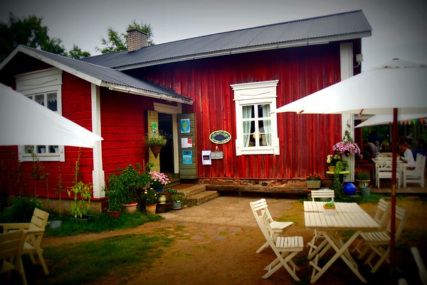 Farmors Cafe: A Taste of Country Living in Högsåra