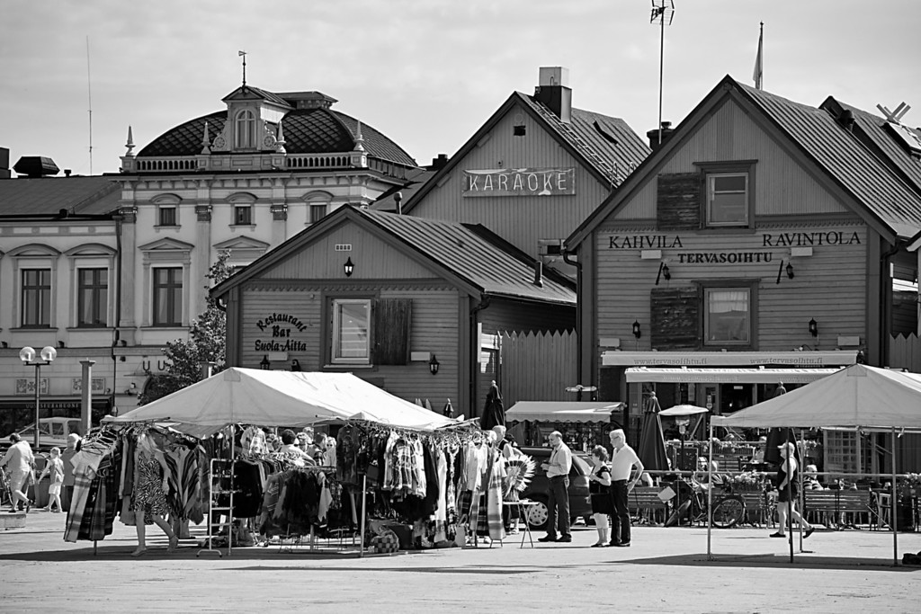 Monday, July 5, 2010<br /> <br /> Oulu Kauppatori View<br /> <br /> Oulu's kauppatori is considered one of the best in Finland. We visited on a Sunday which apparently is an off-day. But there were still some vendors set up selling produce, t-shirts, belts, etc.