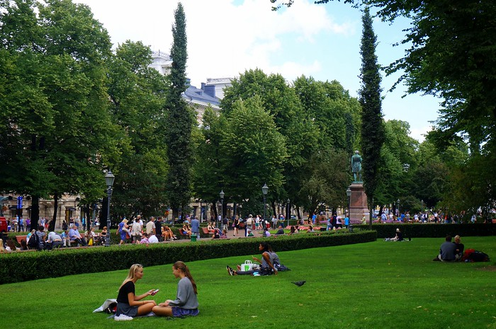 Picnic at Esplanade Park - one of the best things to do in Helsinki in summer.