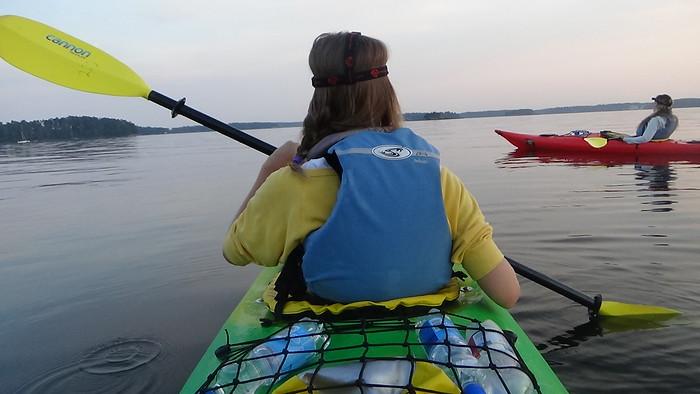 Midnight kayaking in Helsinki