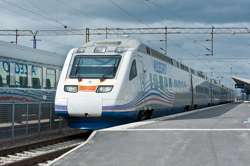 Allegro set 53 leaves Kouvola on 10 August 2012 with a train for St. Petersburg