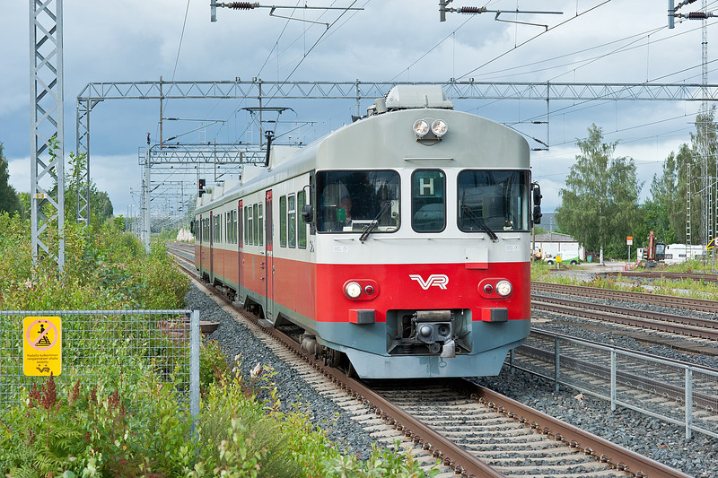 Sm2 6291/6091 set arrives at Kerava on 8 August 2012 with a service from Riihimaki