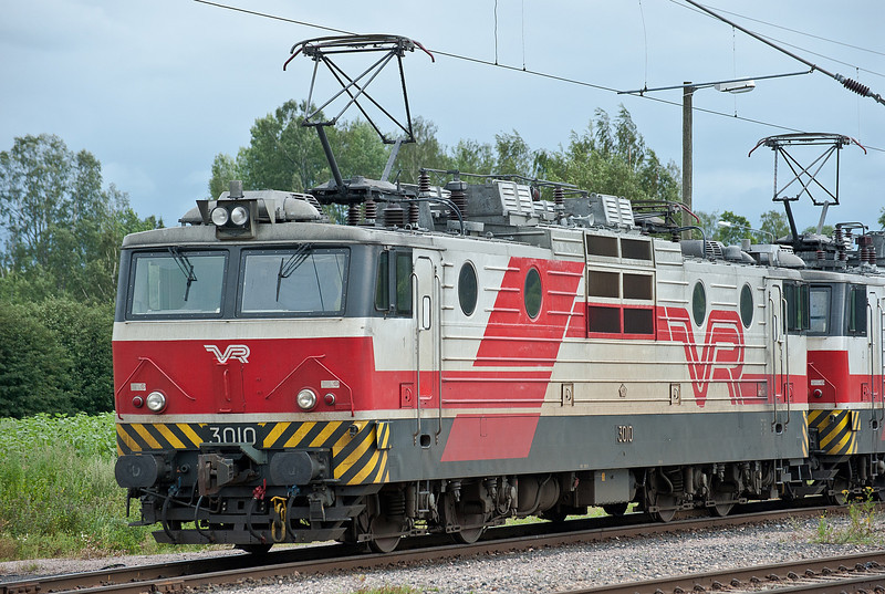 Sr1 3010 sits in the holding sidings at Riihimaki on 8 August 2012