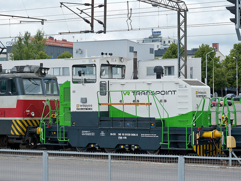 In a freight train behind Sr1 3068 Kouvola on 10 August 2012 were two small shunting locos - 139-006 is pictured here