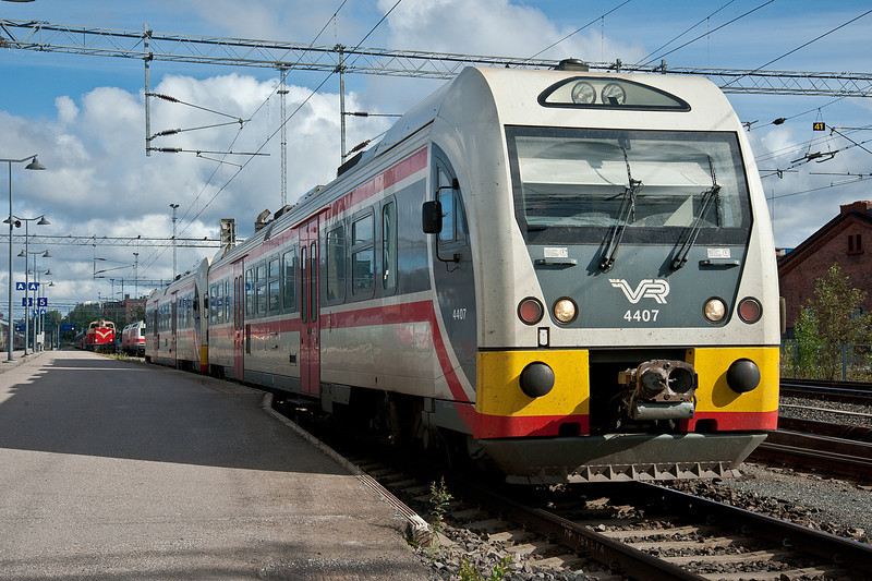 Dm12 4407 and 4404 leave Tampere on 9 August 2012