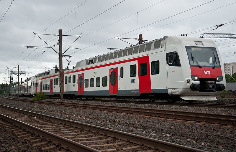 VR Sm4 stock led by 6328 approaches Pasila 7 August 2012