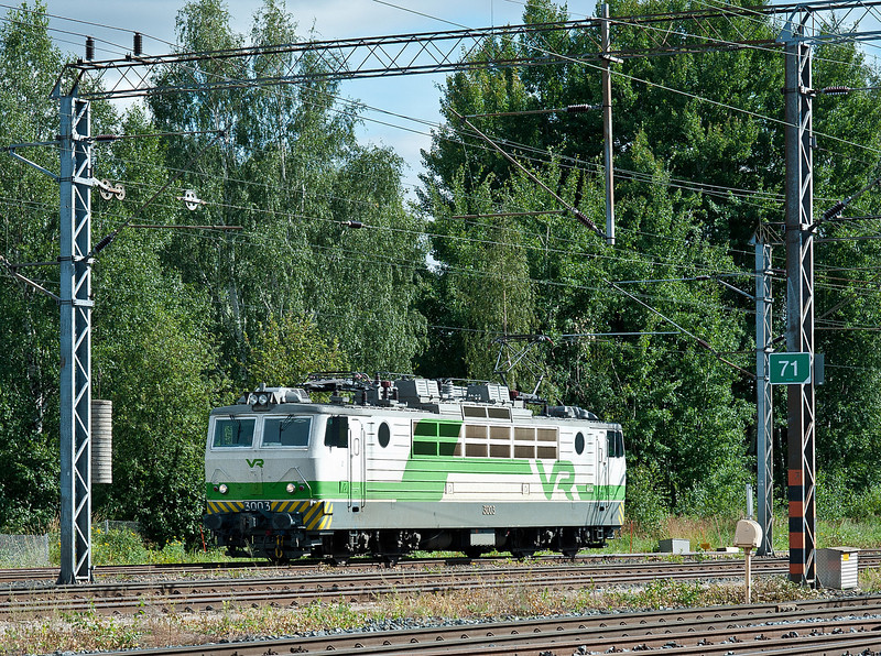 Sr1 3003 runs to the stabling point at Riihimaki on 9 August 2012