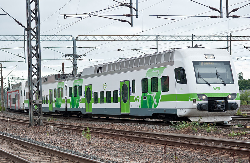 VR Sm4 with 6329 in the new green livery at the head arrives at Pasila 7 August 2012
