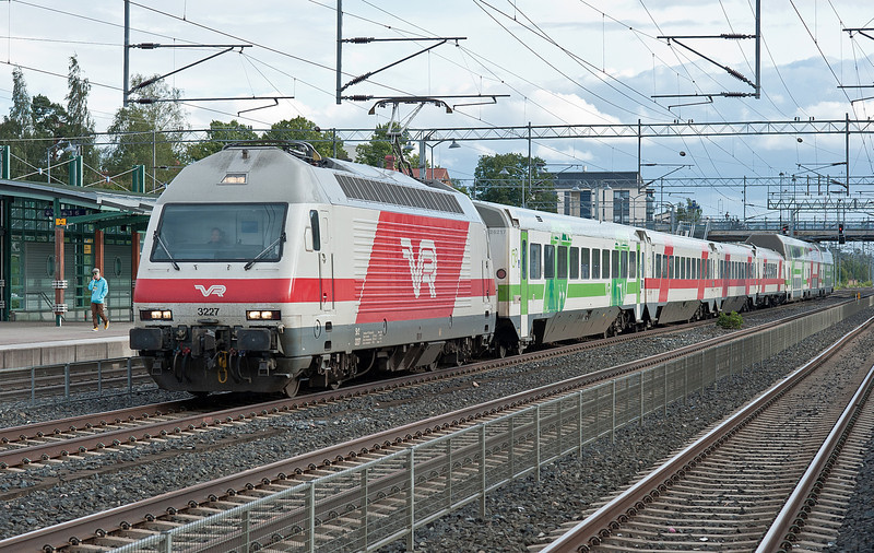 Sr2 3227 heads through Kerava on 8 August 2012