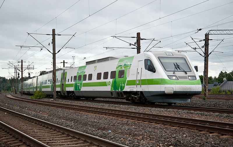 VR Sm3 set 7 in the new green livery arrives at Pasila 7 August 2012