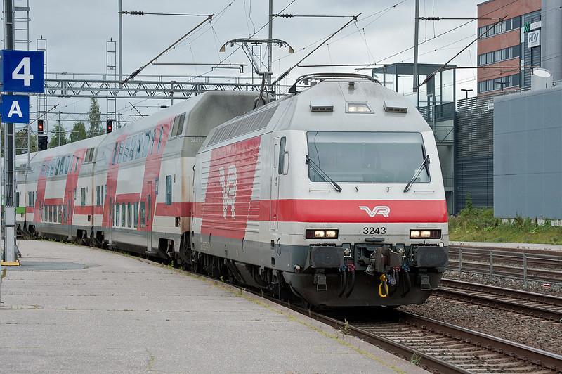 Sr2 3243 arrives at Riihimaki on 8 August 2012