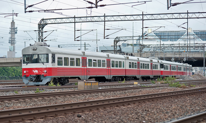 VR Sm1 headed by 6222 Pasila 7 August 2012