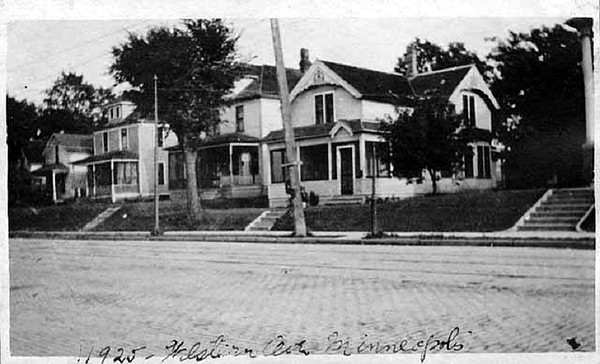 Somewhere on Western(Glenwood) Avenue. Photo taken 1925