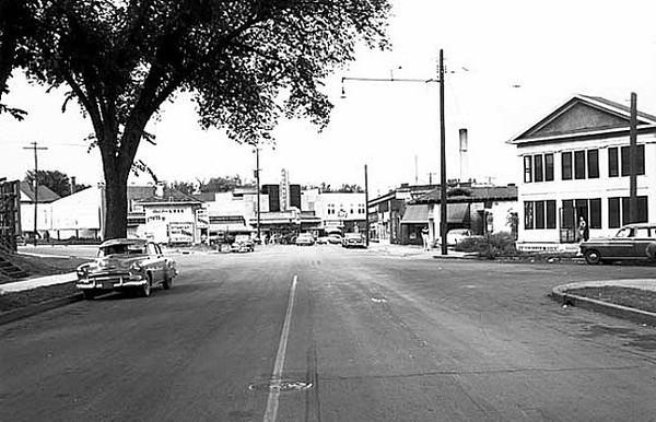 Brynwood Theater - Glenwood Avenue at Cedar Lake Road - 1955