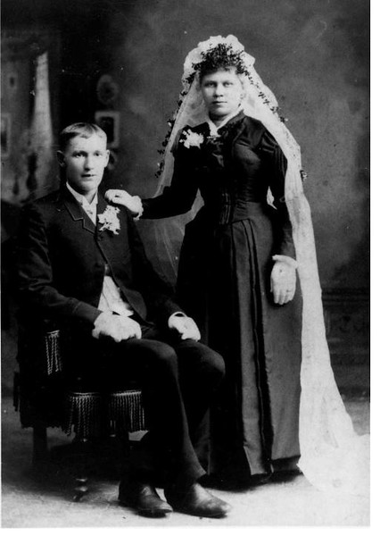Isaac and Ida Anderson (Kauvosaari) - Wedding Portrait