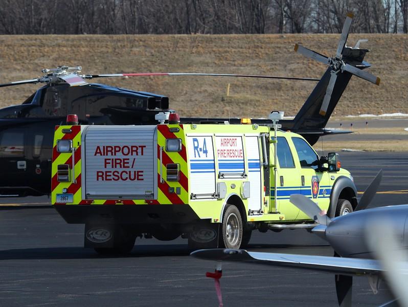 R4 F-550 Hartford-Brainard Airport 2-19-2016