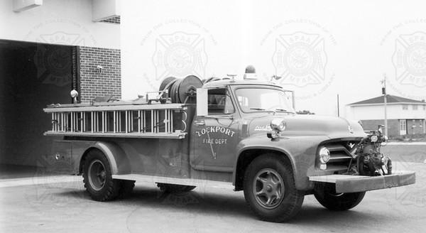 Darley 1954 Ford 500-700 front mount pumper Lockport NY