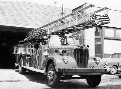 Maxim 1954 Magirus Philadelphia Ladder 1