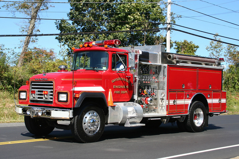 New Milford Conn - Gaylordsville Engine 6 - 1991 Mack RD688 / S&S 1500/1000