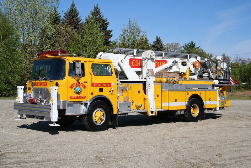 Charlton Mass Scope 1 - 1974 Mack CF / Baker 75' Aerialscope (Acquired 2005 from Taylor PA – former FDNY Ladder 186 – Refurb 1988)