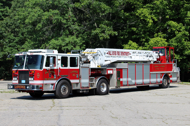 Fall River Mass Ladder 4 - 2011 KME Predator 100' Aerial.