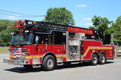 Framingham Mass Ladder 3 - 2012 Pierce Arrow XT 2000/300/105' Aerial
