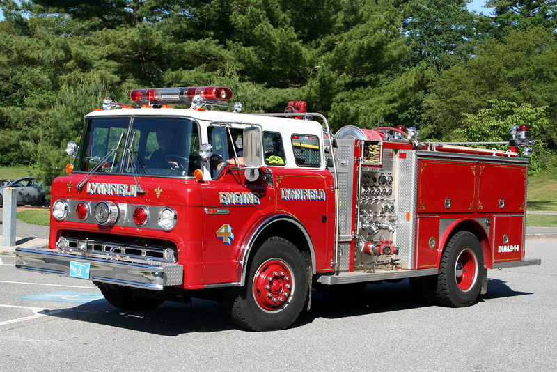 Lynnfield Mass Engine 4 -1984 Ford C8000 / E-One 1000/500