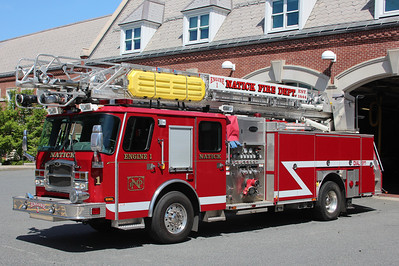 Natick Mass Engine 1 - 2010 E-One Typhoon 2000/500/30F/78' Aerial