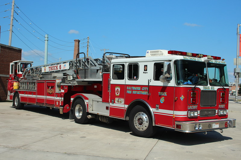 Baltimore Maryland Truck 6 - 2001 Seagrave 100' Aerial.