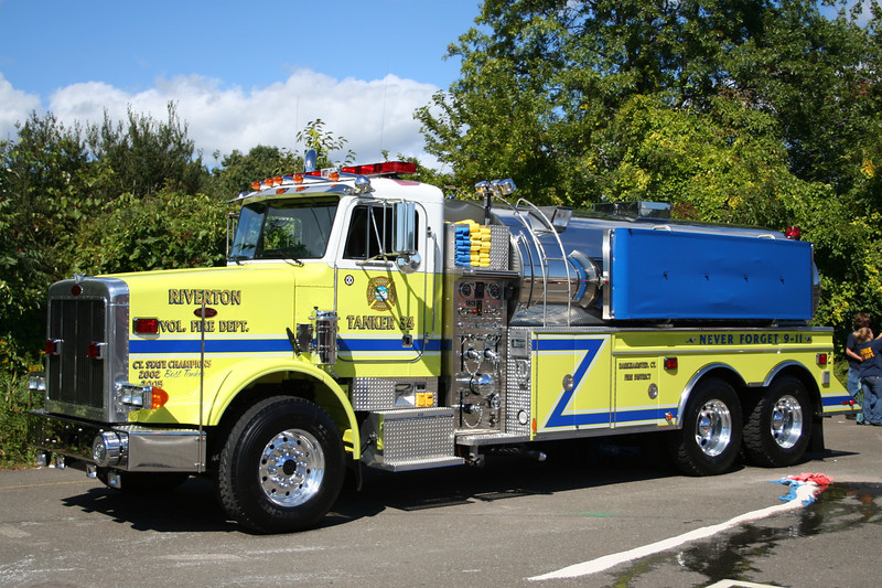 Barkhamsted Conn - Riverton FD Tanker 34 - 2002 Peterbilt / US Tanker 500/2500