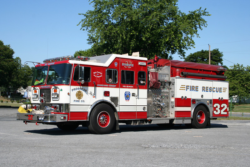 Dauphin County PA - Susquehanna Twp - Progress Fire Co Engine 32<br /> 1998 Seagrave 1750/500 Rescue Pumper