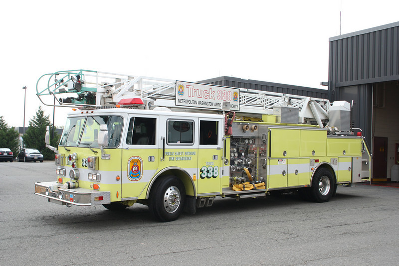 Dulles International Airport VA Truck 338 - 1991 Pierce Arrow 1500/300/75' RM<br /> Due for replacement soon