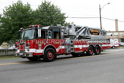 LADDER-11 (2002 Pierce Dash)