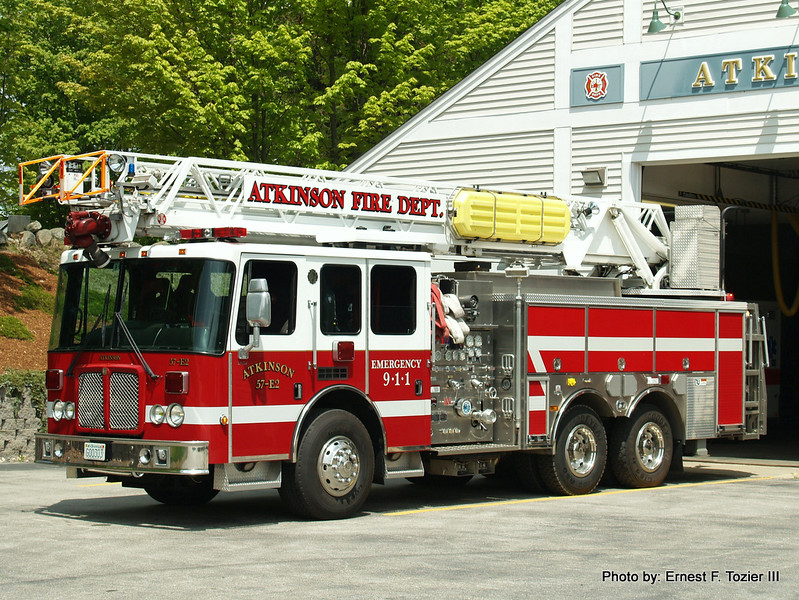 Engine 2 - 2005 HME Ahrens Fox 2000/650/75'