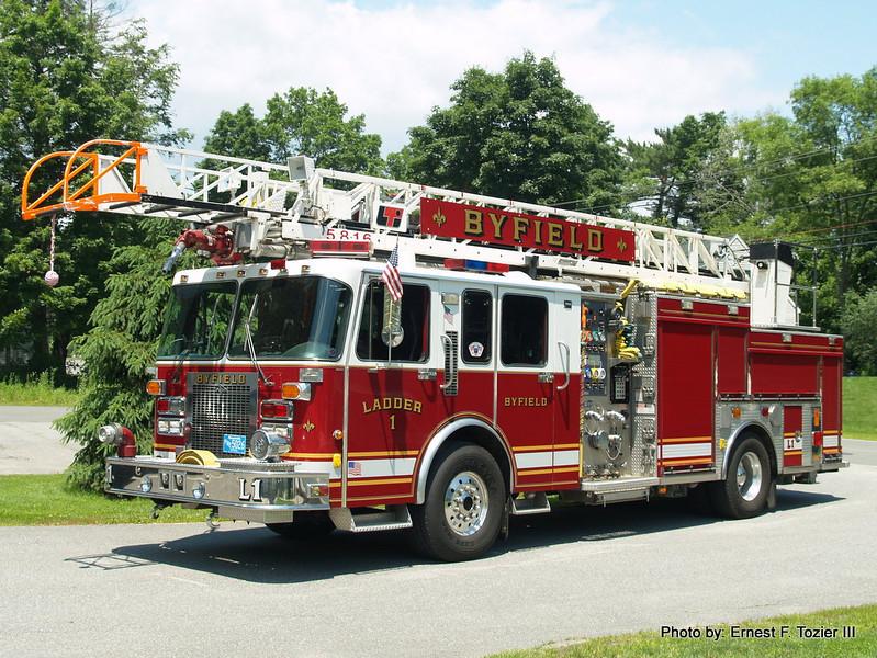 Ladder 1 - 1994 Spartan/Saulsbury/LTI 2000/400 75' Rearmount Quint (Ex-Syosset, NY)