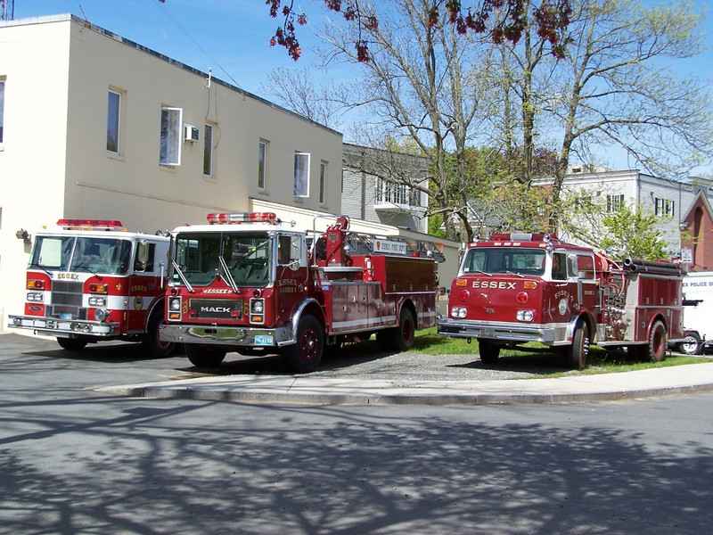 Engine 1, Ladder 1 and Engine 2 @ Headquarters