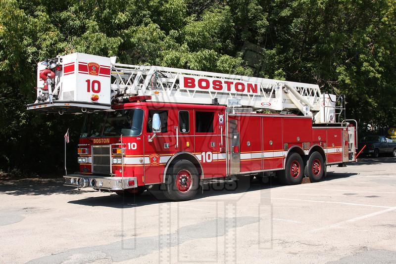 Boston, Ma. Tower Ladder 10
