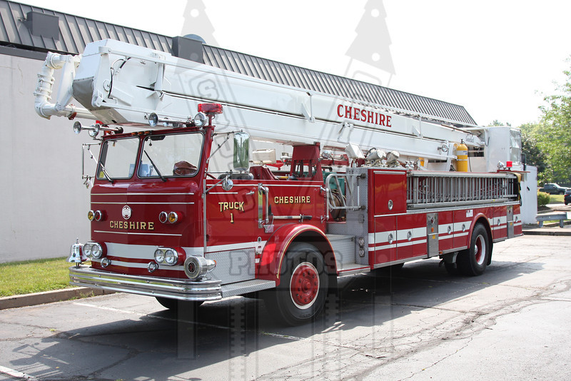 Cheshire, Ct Truck 1. I am told this is the last maxim snorkel in service.