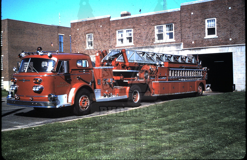 Former Ladder 1 of the East Hartford, Ct FD. When delivered the tractor had an open cab.