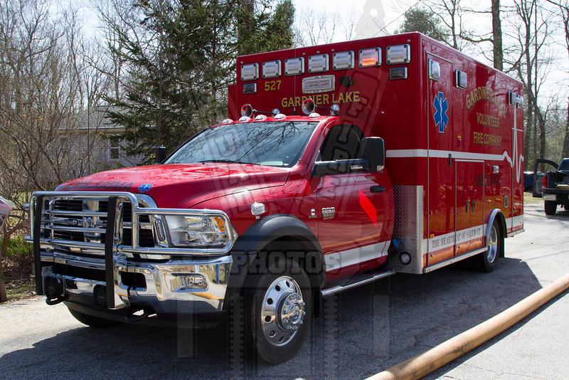 Gardner Lake (Salem, Ct) Ambulance 527