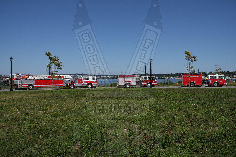 New London, Ct Ladder 25, Engine 21 and Engine 11