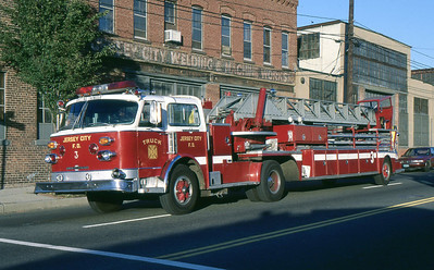 Truck 3 - 1977 ALF 100' TT - delivered Chrome Yellow