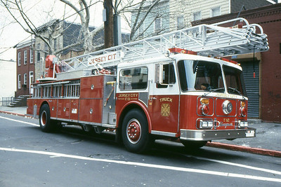 Truck 12 - 1986 Seagrave 100' RM