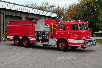Engine/Tender 5211 - 1971 Pirsch/1994 Pierce - Photo added October 10th, 2014.
